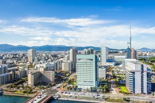 福岡市のビル群の写真