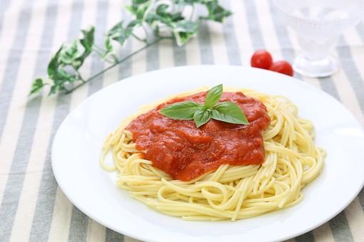 トマト 料理 食品 パスタ 麺 スパゲッティー イタリア料理 食べ物 食事 洋食 麺類 湯気 イタリアン 調理 茹でる シンプル 小麦粉 スパゲティー 食卓 ヌードル パスタ料理 レストラン 軽食 ミント ハーブ