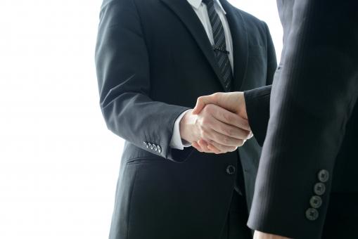 ビジネスシーンー握手の写真