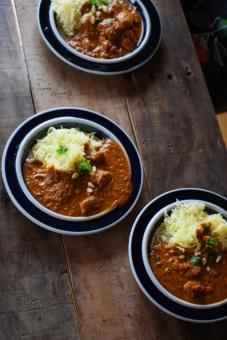 インドカレー作り インドカレー スパイス ルゥ スパイシー とり肉 カレー とり肉のカレー カリー curry indiancurry おたま フライパン 調理 料理 カレー作り クッキング かれー カレーライス インディカ米 インド米 米 ライスカレー