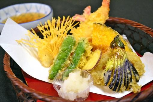 天ぷら てんぷら 天婦羅 天麩羅 揚げ物 揚物 日本料理 日本食 和食 なすび 茄子 いんげん えび エビ 海老 グルメ 料理