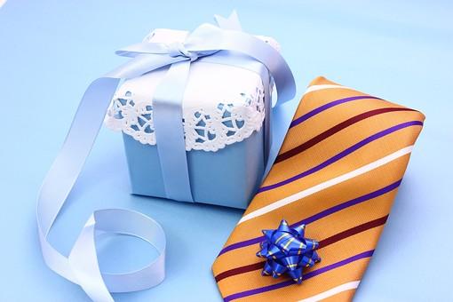 父の日 イベント プレゼント ギフト 行事   明るい さわやか 爽やか  青色 水色 6月 六月 感謝 贈る 青バック  ネクタイ 箱 リボン りぼん レース 青バック