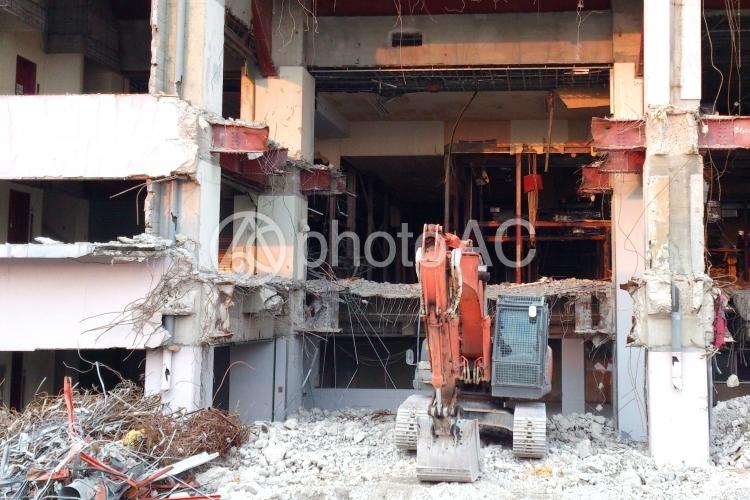 解体作業現場の写真