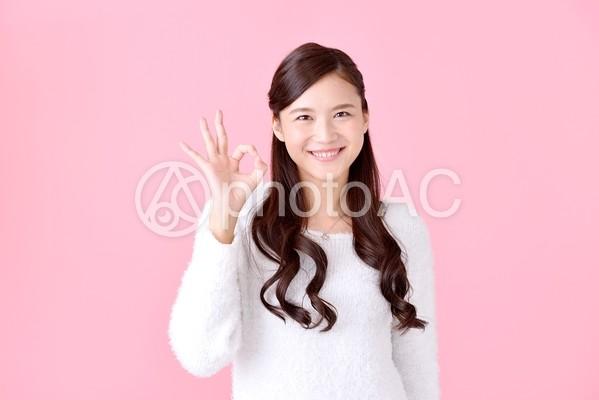 OKサインの女性7の写真