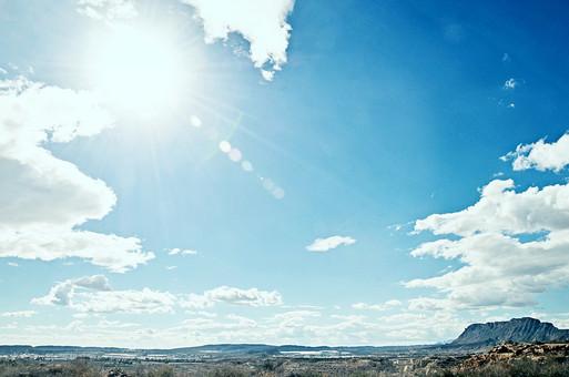 スペイン 外国 海外 ヨーロッパ 欧州 外国風景 海外風景 自然 空 雲 青空 晴天 晴れ 景色 風景 大地 土 エネルギー 乾燥 植物 山 日光 日差し 太陽 光