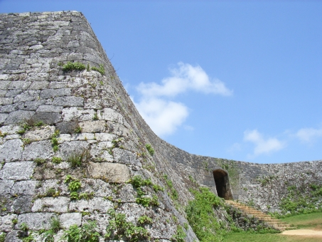 「座喜味城跡 フリー画像」の画像検索結果