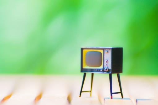 の テレビ 映す 画面 方法 スマホ に を スマホ画面をテレビで見る視聴方法&接続ケーブルのオススメはコレ!【Android、iPhone】