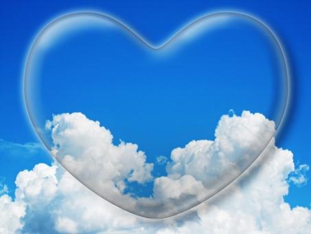 ハート はーと heart 素材 背景 アイコン ラブ love 愛 ロマンチック バレンタイン フレーム クリスタル風 枠 空 青空 雲 白雲 青 コピースペース 白