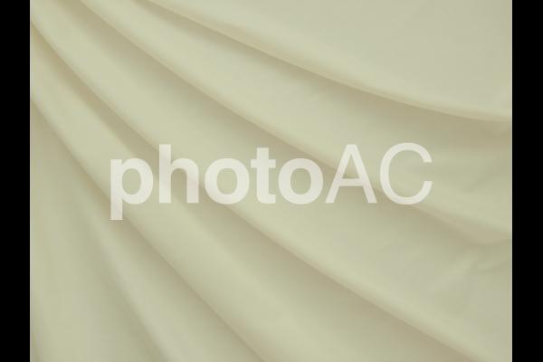 黄色い布のドレープの写真