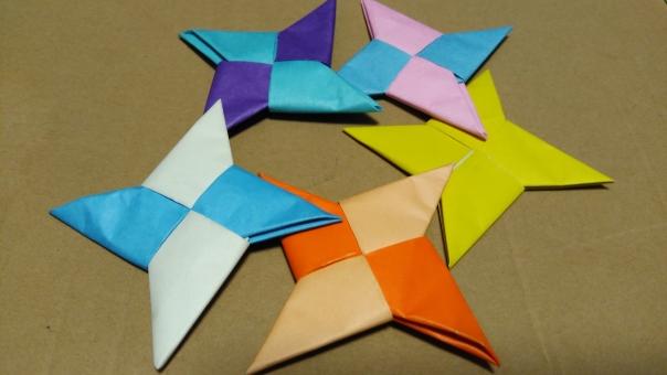 折り紙で手裏剣2の写真