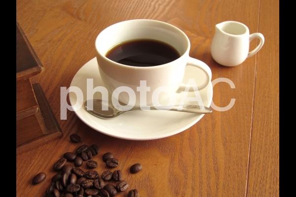 コーヒーとコーヒー豆の写真