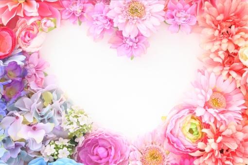 ふわふわ 花のフレーム ハート 1の写真