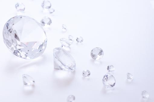 きらきら 輝き キラリ 光 ダイヤモンド ガラス クリスタル ホワイト 白 透明 透明感 文字スペース 背景 壁紙