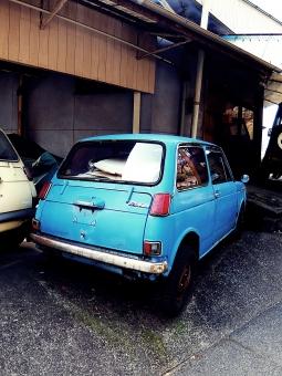 レトロ 車 乗り物 古い 懐かし 青 タイヤ ガレージ