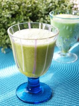 健康 ヘルシー 初夏 グリーン グラス ビタミン 朝食 酵素 ダイエット