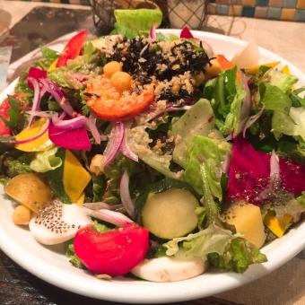ランチ カフェ レストラン イタリアン 野菜サラダ サラダ オーガニック お洒落 健康 美容 チアシード ドレッシング オリーブオイル ビネガー