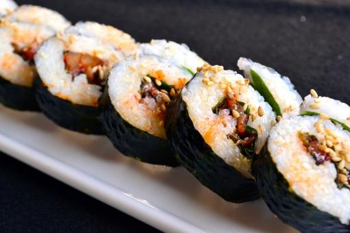 キンパ キムパ キムパブ のり巻き 韓国 韓国料理 コリアン 海苔巻き おつまみ 焼肉 焼き肉 ご飯 米 チャンジャ チャンジャキンパ 胡麻 ゴマ ごま