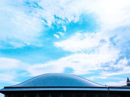 ドーム型 屋根 空の写真