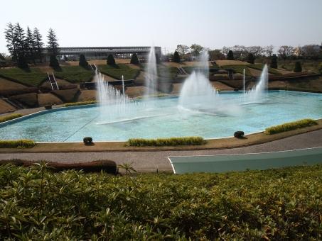 公園 水柱 中庭 水圧 池