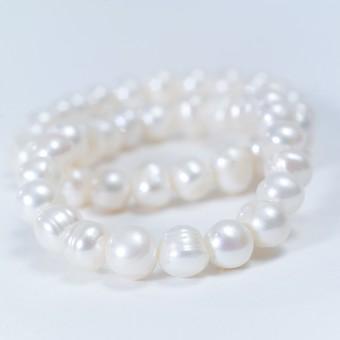 パール バロックパール 真珠 天然 宝石 貝 ブレスレット アクセサリー ジュエリー 装飾品 女性 ファッション おしゃれ おめかし お出かけ デート プレゼント ギフト 記念日 贈り物 優美 輝き 美しい 純潔 白 ホワイト 繋がった 高価 白背景