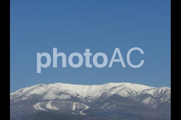 宮城県側から見た蔵王山の写真