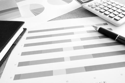 グラフ資料 会議資料 電卓 スケジュール帳 手帳 ビジネス手帳 ビジネス 会社 企業 ミーティング マーケティング データマイニング セグメント 顧客データ アンケート結果 集計 合計 情報 顧客情報 市場データ 他社競合 企画 計画 プラン プロジェクト 予算 承認 検証データ 仮説と検証 素材