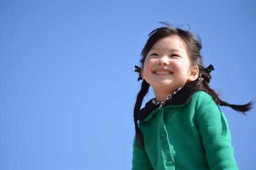 青空 子供 子ども こども 笑顔 SMILE 日本人 mdfk023