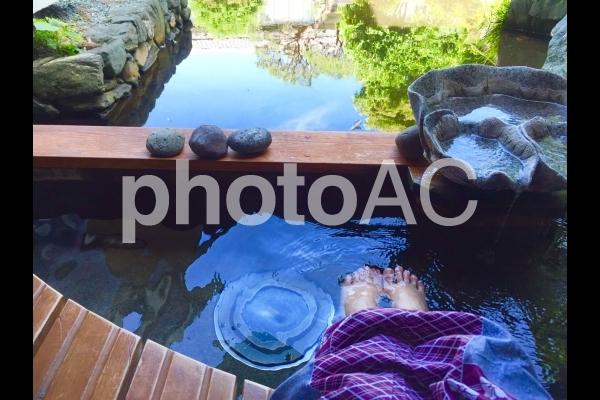 浴衣で足湯の写真