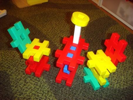 子ども 子供 2歳 3歳 幼稚 保育園 ニューブロック レストラン 遊び ごっこ遊び 創作 製作 工作 育児 子育て 表現遊び キッズ ベビー ブロック 制作 2歳半