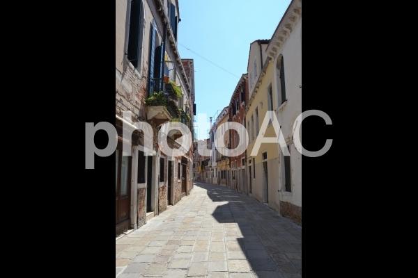 ヴェネチアの路地の写真