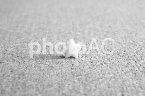 一つ星 モノクロの写真