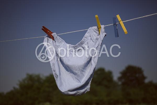 パンツの外干し1の写真