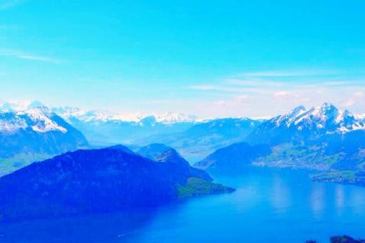 スイス アルプス アルプス山脈 山脈 山 ヨーロッパ 頂上 湖 水 景色 自然 山登り ハイキング 空 青空 青 海外 旅 旅行 コントラスト 絶景 水色 テクスチャ 背景 美しい 夢 トップ