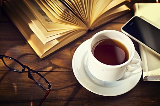 本とコーヒー1の写真