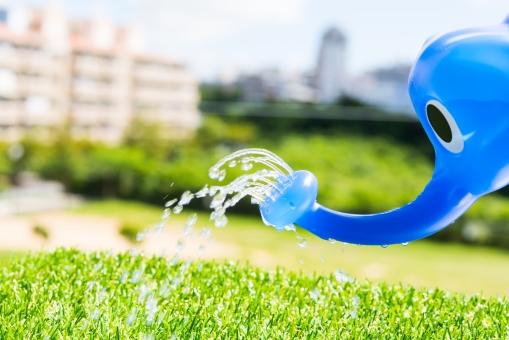 如雨露 雨 レイン 水やり 水分 青空 空 象 ゾウ 雲 水 シャワー 植物 育てる めぐみ 鼻 梅雨 夏 サマー 家庭菜園 ガーデン 庭 ウォーター 海水浴 海の家 レジャー 節水 芝生
