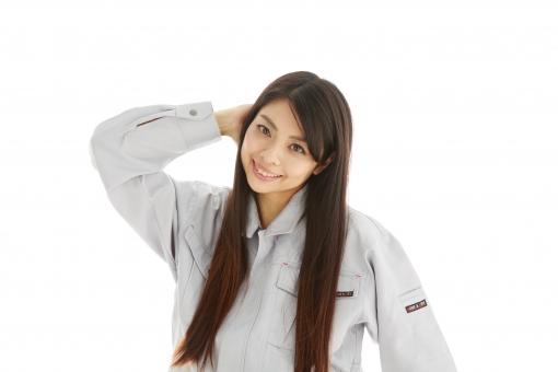 人物 日本人 女性 女の子 20代  モデル かわいい 美人 ロングヘア 作業服  作業着 スタジオ撮影 白バック 白背景 仕事  技術職 ガテン系 作業員 照れる 恥ずかしい 失敗 頭をかく 笑顔 スマイル 照れ笑い 照れ隠し mdjf019