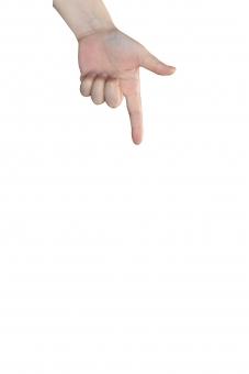 上から指で何か示す仕草の女性の左手psdの写真