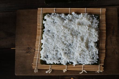 巻き寿司作り 巻き寿司 まきずし 巻きずし 寿司 酢飯 すし スシ 巻き簀 まきす マキス 巻きす sushi sushiroll 海苔 ノリ