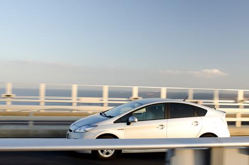 白い車の写真