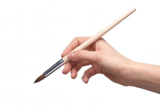 筆 絵筆 画筆 ペイントブラシ 画材 手 右手 手指 手首 ハンド 持つ 握る つかむ 使う 取る 書く 描く 塗る 塗りつぶす 書き加える 絵画 アート 美術 芸術 ペイント 加筆 ハンドポーズ ポーズ ハンドパーツ パーツ 白バック 白背景