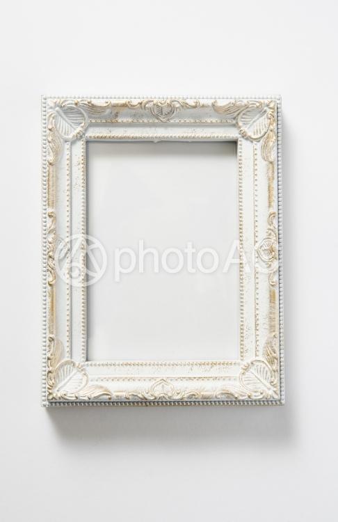アンティーク白額縁の写真