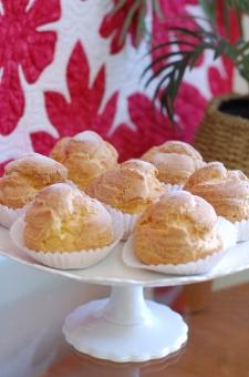 シュークリーム CreamPuffs Bakery クリームパフ Hawaiian Homemade ハワイアンキルト Hawaiianquilt ホームメイド 南国風 quilt カップケーキスタンド cupcake 来客 stand パーティー party おもてなし hospitality スイーツ Sweets ケーキ屋 Cakeshop
