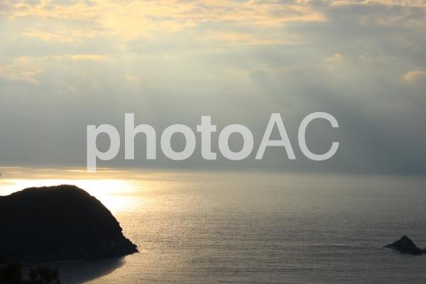 熊野灘の朝焼けの写真