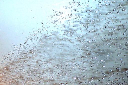 水 しぶき 水しぶき 水飛沫 青 水色 キラキラ きらきら 川 海 water シャワー shower shyne 輝 綺麗 キレイ 幻想的 背景