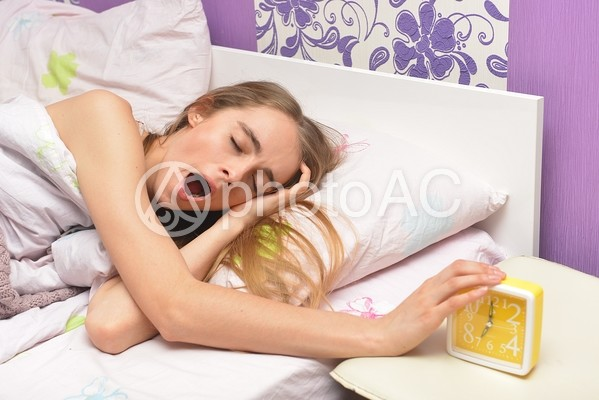 寝起きの外国人女性17の写真