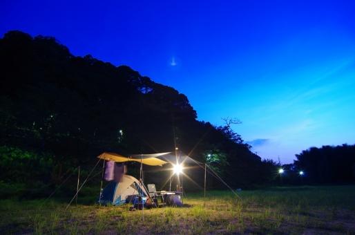 キャンプ キャンプサイト テント ランタン タープ 夜 夜中 子供 こども 夏 夏休み