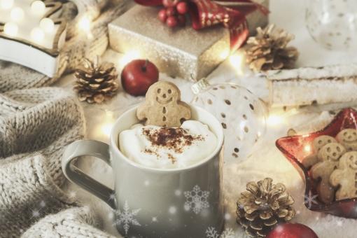 ジンジャーマンクッキーとクリスマスの写真