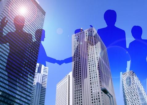 ビル 高層ビル 超高層ビル 新宿 新宿区 東京 東京都 都会 大都会 都市 大都市 シルエット ビジネスマン 起業 企業 会社 チームワーク マネジメント マネージメント 提携 事業 プレゼンテーション 営業 成約 契約 契約成立 グローバル 国際的 商談 プレゼン