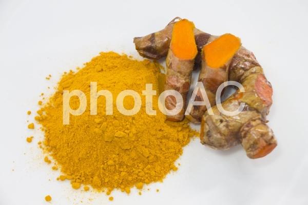 ウコン粉末 ウコンの根茎の写真