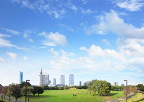 幕張 新都心 ビル ビルディング 都市 アーバン 公園 エコ 環境 風景 景色 タイトル バック ベース 青空 会社 企業 素材 イメージ  案内